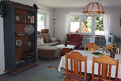 Wohnzimmer mit Essecke - Fewo Tannenblick